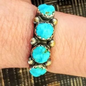 Vintage Southwest Sterling Silver Turquoise Ring